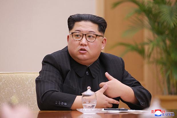 정은 북한 노동당 위원장이 9일 조선노동당 중앙위원회 정치국회의를 주재하고 있다.[사진=연합뉴스]
