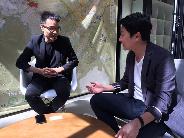 칼빈 추아(왼쪽) 조선 익스체인지 프로그램 매니저를 김효성 매일경제신문 기자가 15일 싱가포르 현지에서 만나 인터뷰하고 있다.