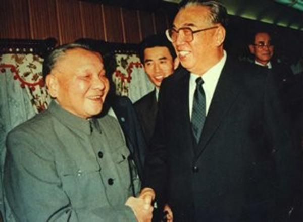1990년 9월 중국을 방문해 덩샤오핑과 만나는 김일성 주석[사진=연합뉴스]