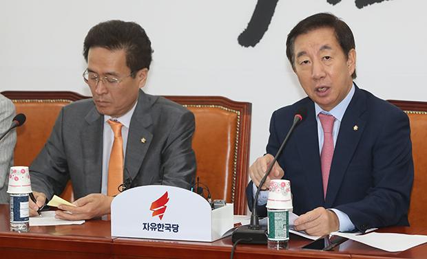 자유한국당 김성태 원내대표가 12일 국회에서 열린 원내대책회의에서 발언하고 있다.[사진=이승환기자]