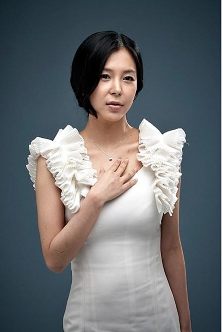 에로배우 에이미 누드 `간기남` 배우 윤재-김형준 감독 열애설 불거져 - 매일경제