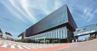 Samsung Biologics delivers initial <b>coronavirus</b> cure to Lilly