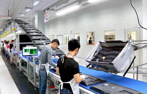 `씹던 껌`에 불과했나…스마트폰 사업 버린 베트남