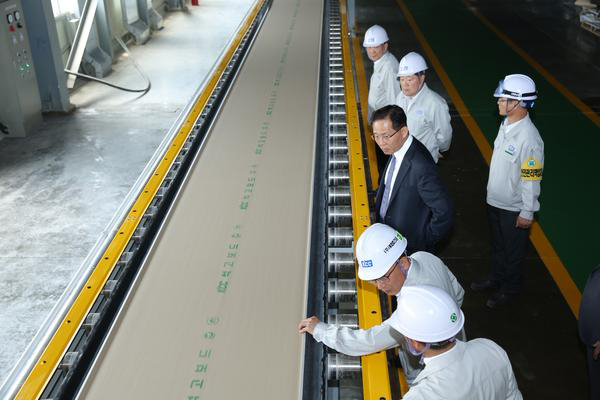 KCC expands gypsum board production line to become industry