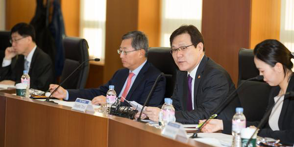 Financial Services Commission Chairman Choi Jong-ku