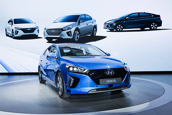 South Korea S Hyundai Motor Group Will Nearly Triple The Number Of Its Green Car Models From 13 To 38 In Next Eight Years Gain A Lead Race For