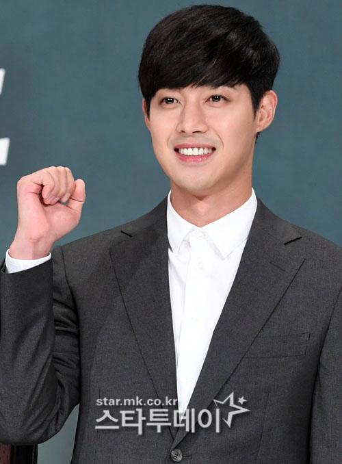 감격시대 김현중·임수향, 중국발 새해인사 행복한 한해되세요
