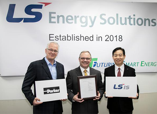 (From left) Parker Hannifin's Paul Horvat, LS Energy Solutions' Jim Hoelscher, and LS Industrial Systems' Oh Jae-seok. [Photo by LSIS]