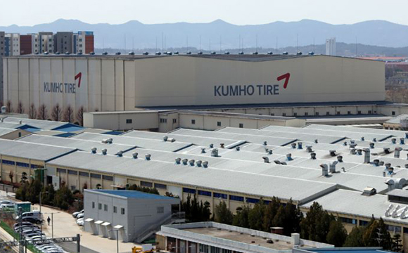 Kumho Tire`s factory in Gwangju in South Jeolla. [Photo provided by Kumho Tire Co.]