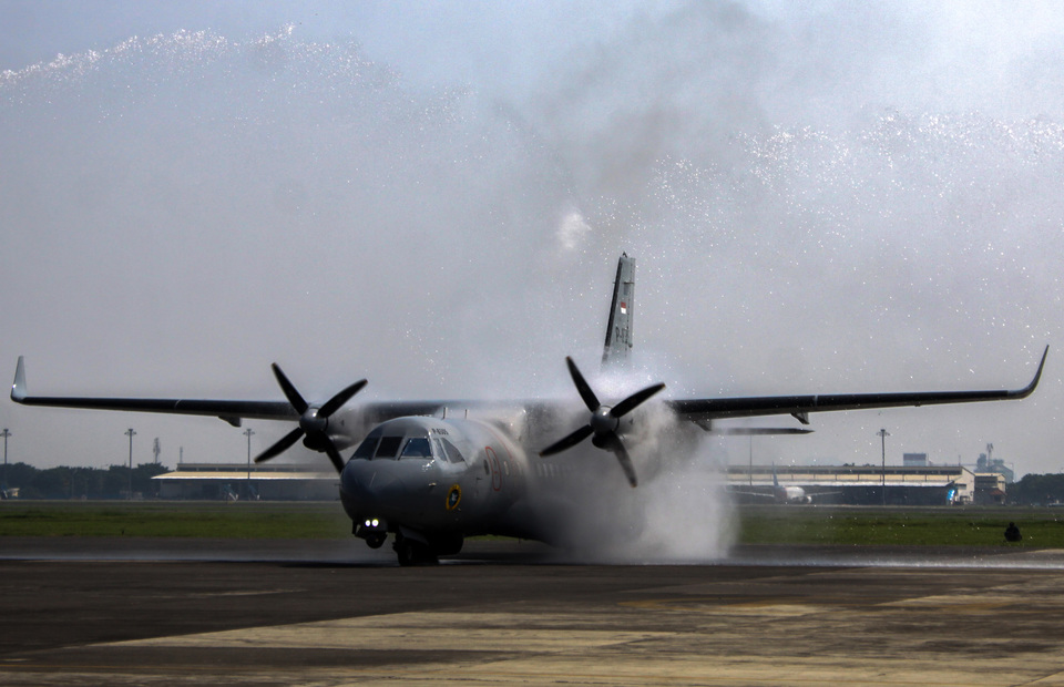 Indonesia is paving the way to sell more goods to Argentina, including its iconic CN-235 medium-range twin-engine transport aircraft. (Antara Photo/Umarul Faruq)