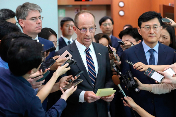 David Stilwell, the U.S. assistant secretary of state for East Asian and Pacific affairs, speaks to reporters at the Foreign Ministry in Seoul on July 17, 2019. [Photo by Yonhap News]