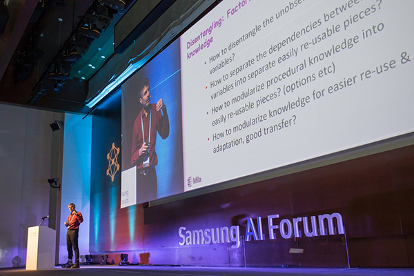 "Canadian Computer Scientist Yoshua Benjio delivers a lecture theme of ""Towards Compositional Understanding of the World by Deep Learning"" during Samsung's AI forum in Seoul on Nov. 4, 2019. [Photo provided by Samsung Electronics Co.]"