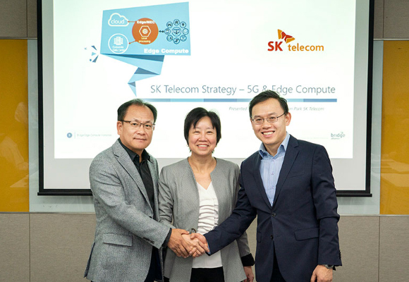 (from left) Ha Min-yong, VP and Head of Global Alliance Group, SK Telecom, Ong Geok Chwee, CEO of Bridge Alliance, and Lee Kang-won, VP and Head of Cloud Labs, SK Telecom. [Photo provided by SK Telecom Co.]