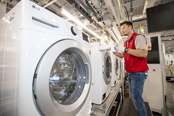 LG Elec`s washing machine factory in Tennessee, U.S