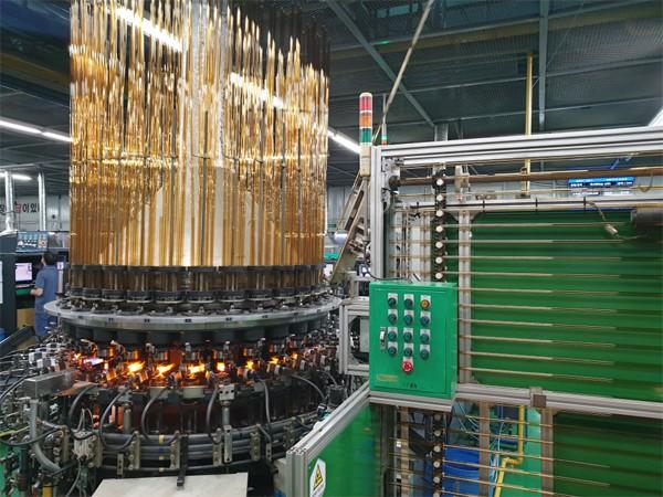 신일팜글라스 공주 공장에서 앰풀이 생산되는 모습. [사진 제공 = 신일팜글라스]