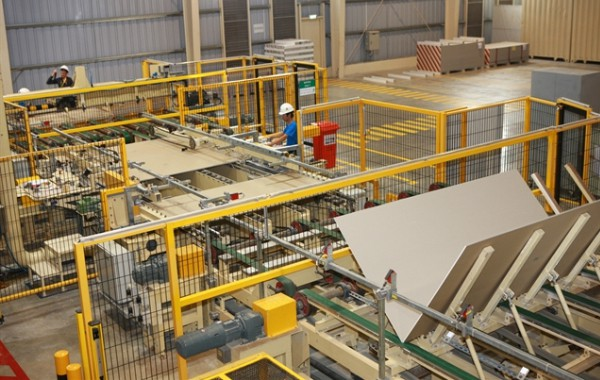 A production line for plasterboard production at a factory of Knauf Hải Phòng Co Ltd, fully invested by Germany. European business leaders expect growth in both investment and trade brought about by the EVFTA. — VNA/VNS Photo Lâm Khánh