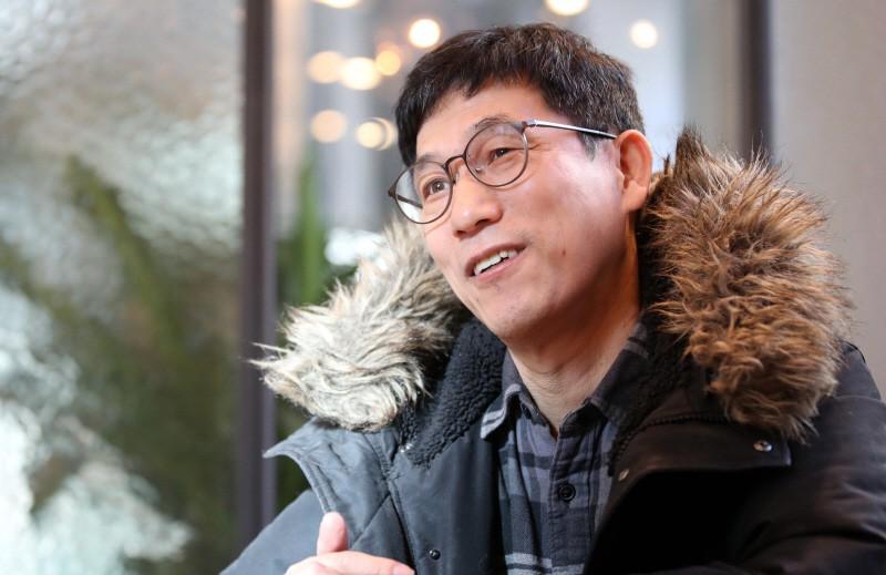 """진중권 """"먹고 사는 방식이 너무 못 생겼어""""… 박원순 도서 작가와 설전"""