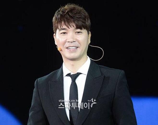 """박수홍, 오늘 (5 일) 고소 … 형 """"1993 년생 여자 친구 때문에"""""""