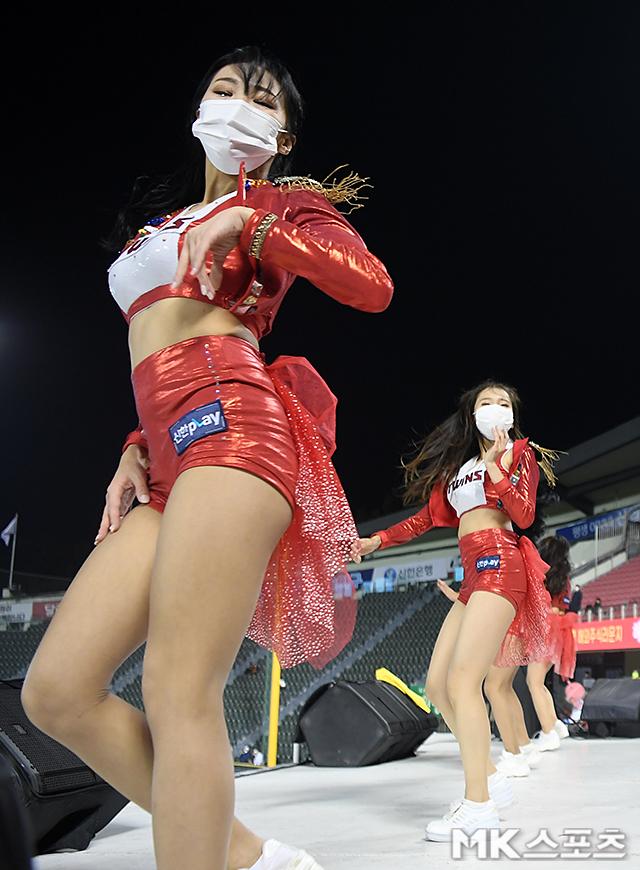 치어리더 '댄스로 만든 S라인 몸매' [MK포토]