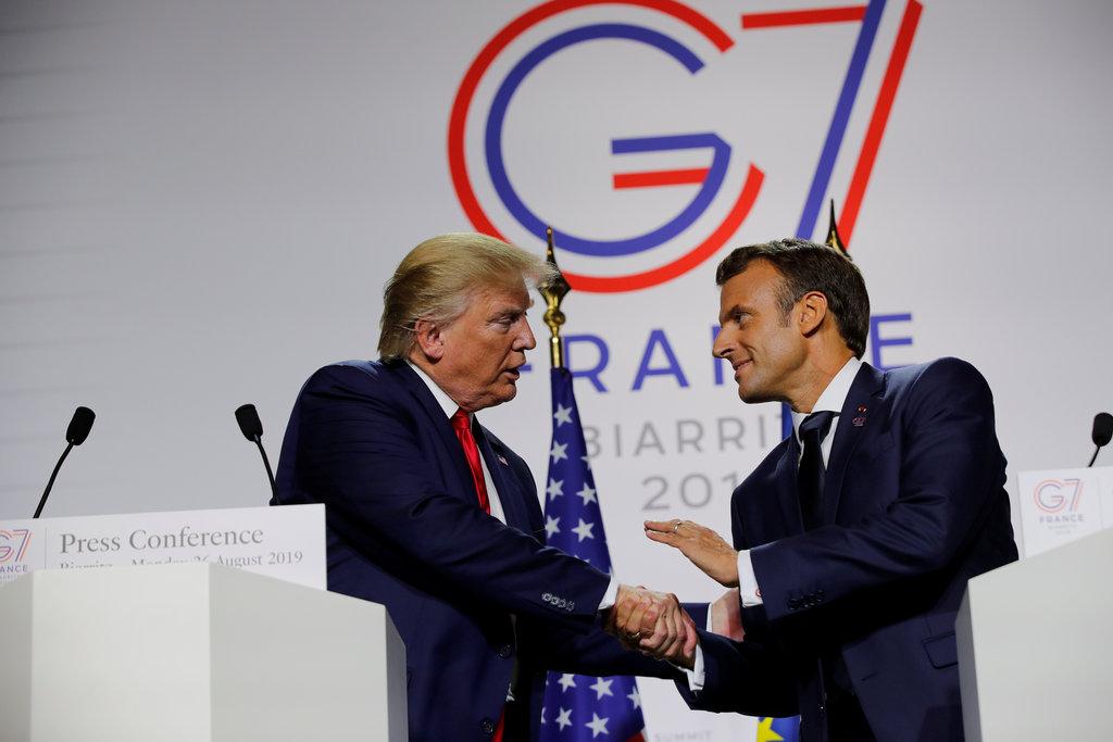 KAKO POMOĆI LIBANU?! Telefonski razgovor Trampa i Macrona!