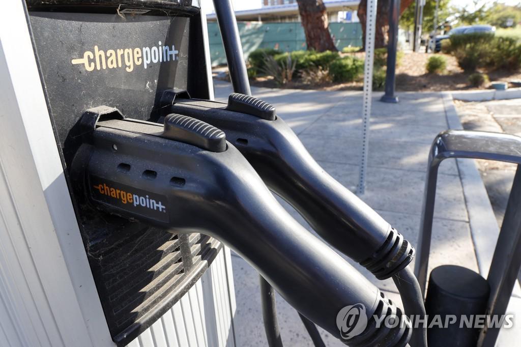 전기차 충전소 누가 주도해야 하나…미국서 갑론을박 - 매일경제