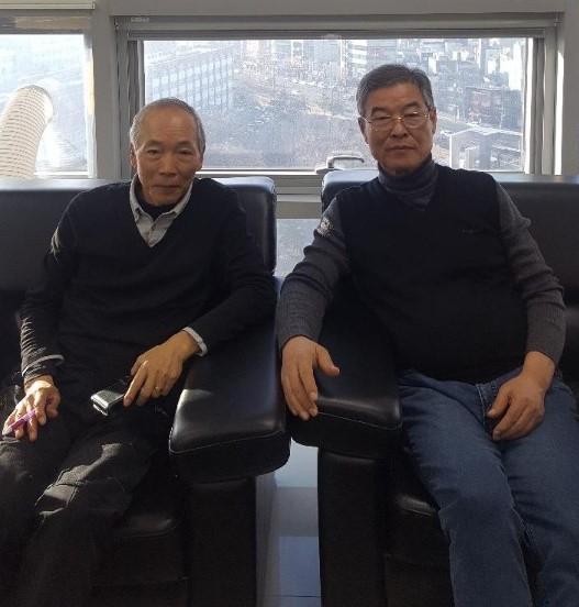 이광필(왼쪽)·김화중 전 경북대 교수