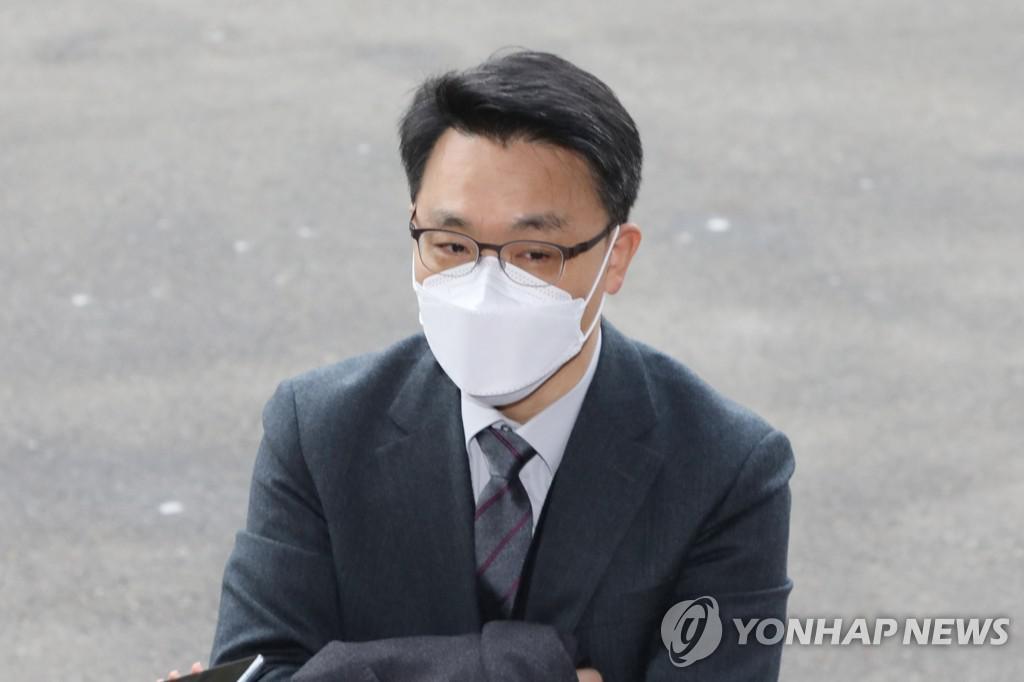 """김진욱 """"공수부 1 호 사건 조사는 4 월에만 가능하다"""""""