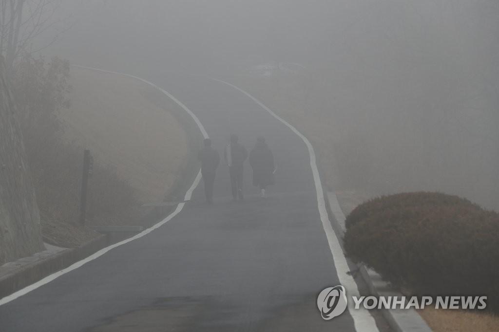 [날씨] 음력설 연휴의 아늑한 첫날 … 아침 내내 짙은 안개
