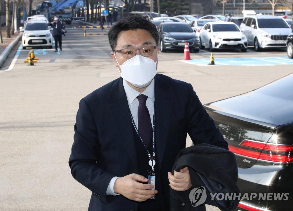 """김진욱 """"나는 침묵하지 않을 것이다"""""""