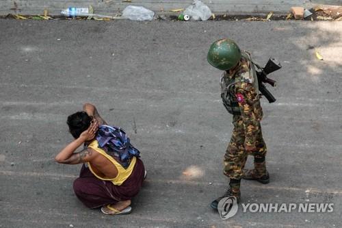 인도, 미얀마의 군사적 폭력 비난 … 민간인 학살에 대한 미온적 인 태도 변화