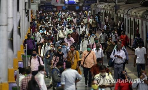 인도 뭄바이 지방 정부, 확진 자 폭발에 대한 전면 봉쇄 검토